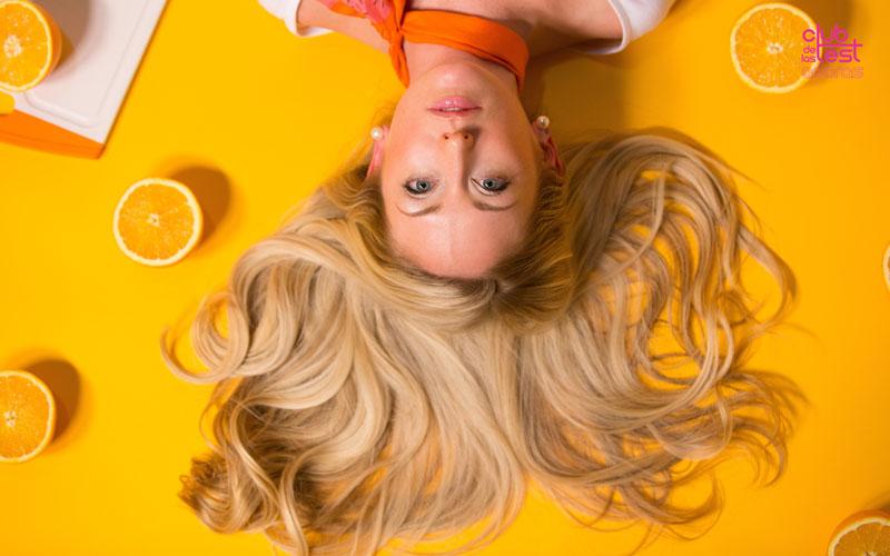 mejores nutrientes para cuidar el cabello en verano