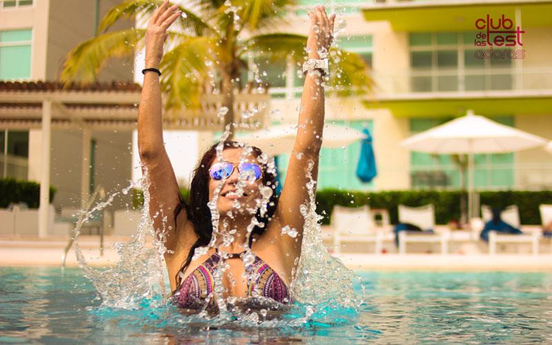 ejercicios para adelgazar en la piscina